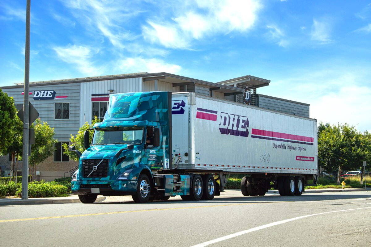 Volvo Trucks DHE SunPower